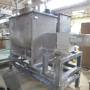 Twin screw mixer