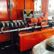 Double screw extruder for compounding