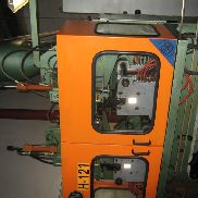 Refurbished 2006 Bekum H-121 single head two stations complete blow molding line with two sets of molds