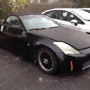 2005 Nissan 350Z Roadster Convertable 2-Door Coupe body damaged