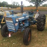 FORD 4000 SU TRACTOR, GAS ENGINE, 8 SPEED TRANSMISSION, 3 PT PTO, NO TOP LINK, REAR REMOTE, AMISH RU