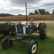 FORD 4000 TRACTOR, GAS, 5 SPEED TRANSMISSION, 3 PT PTO, MISSING TOP LINK, с весами PIE SECTION