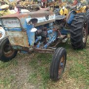 FORD 3000 TRACTOR, GAS ENGINE, 8 SPEED TRANSMISSION, 3 PT PTO, NO TOP LINK, NON-RUNNING