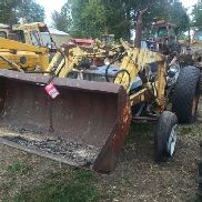 FORD 3000 TRACTOR WITH LOADER ATTACHMENT, 8 SPEED TRANSMISSION, 3 PT PTO, MISSING SOME 3 PT PARTS