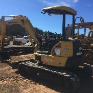 KOMATSU PC50 MR-2 MINI EXCAVATOR. S/N 94V01006499. OROPS. AUX HYDRAULICS. PUSH BLADE, RUBBER TRACKS.