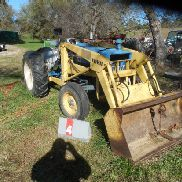 FORD 3000 WITH LOADER & BLADE, CU40A153006B