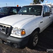 2010 Ford Ranger Extended-Cab Pickup Truck cracked windshield