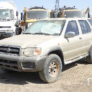 2000 NISSAN PATHFINDER 4x4 Sport Utility Vehicle