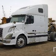 2005 VOLVO 6x4 Truck Tractor (T/A)
