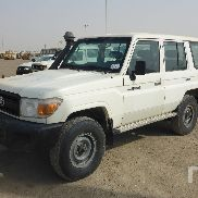 TOYOTA LAND CRUISER 76L 4x4 Véhicule utilitaire sport