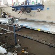 . Workbench including built-on vice, L: 5300 mm, D: 900 mm