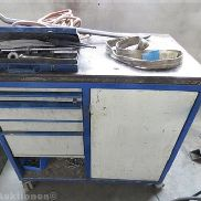 Mobile workbench with 5 Ausziehladen, Size: 1000 x 600 mm, including hand tools.