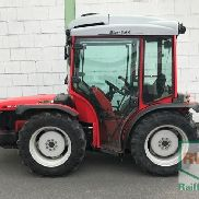 Carraro SRX 8400 vineyard tractor