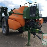 Amazone UX 4200 Super hosed spray