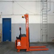 STACKER BT Lifters L5V 100 E / 10