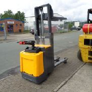 JUNGHEINRICH ERD 16 Electric Pedestrian Stacker