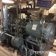 Lot with refrigeration compressors