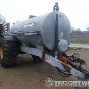 tank with slurry injector