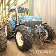 New Holland 8670