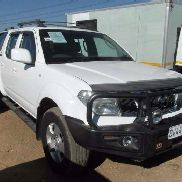 Nissan Navara 4 x 4 Double Cab With Canopy LDVs & panel vans