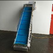 NNP flighted elevator conveyor