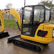 2011 CAT 302.5C Mini Excavator, OROPS, Rubber Tracks, Backfill Blade, Swing Boom, Hydraulics - CAT3025CCGBB05842