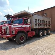 1992 International 2674 6X4 Eje en tándem c / w 3er empujador, Cummins Diesel Engine, Aluminum 16 'Bed - 455101