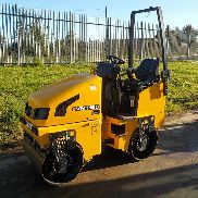 "2011 JCB Vibromax VMT160 Double Drum Vibrating Roller c/w Roll Bar, 31"" Drum (379 Hours) - GATVT160A02803128"