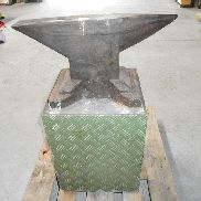 AMB 80 Kg blacksmith anvil m. substructure