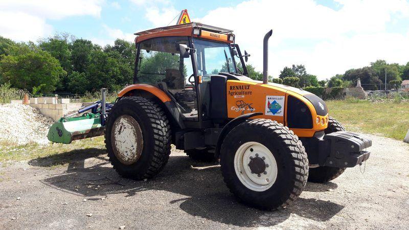 Renault Ergos Traktor Bern mit Brecher