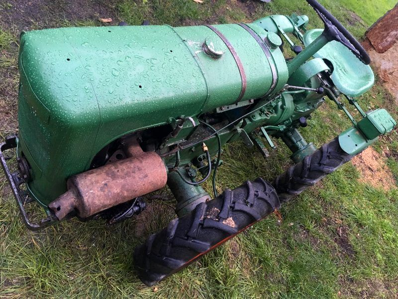 TRACTOR WINEMAKER HOLDER A10