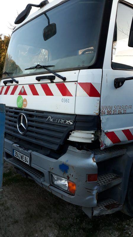 Mercedes Actros Tragarm (EJ848PC) - Nicht fahrbar