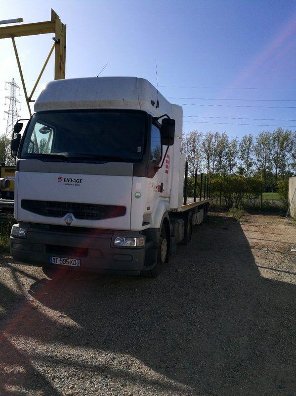 TRR Renault Premium (AT-595-KD)