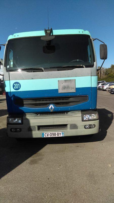 RENAULT Premium 385 Traktor (CV-098-BY)
