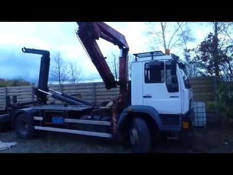 Containerfahrzeug MAN L18LC mit Zusatzturmkran Fassi F110A