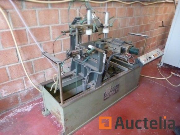Metallfräsmaschine für Drainagelöcher SOENEN HENDRICK