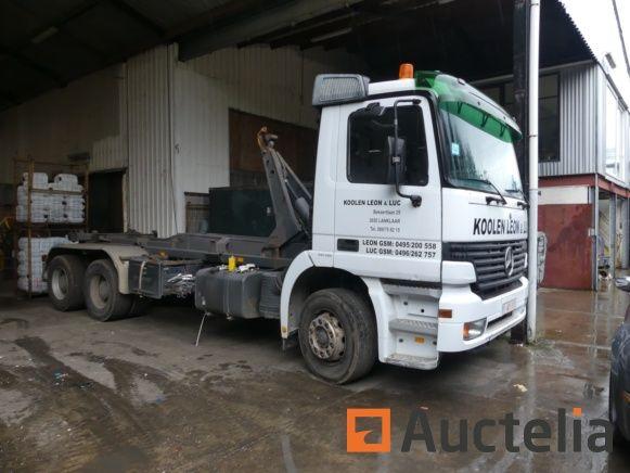 Mercedes Actros (2002-318423 km) Containerfahrzeug