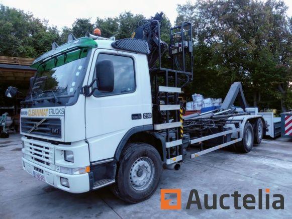 Volvo FM 6X2RLS 8.0 Container-LKW und Hilfskran Palfinger