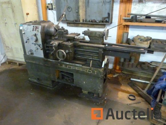 Drehmaschine aus Metall