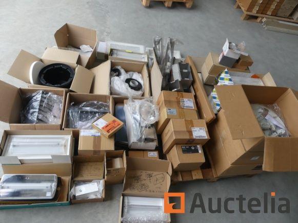 Elektronische Ausrüstung; Lichter, Teile und komplette Kartons