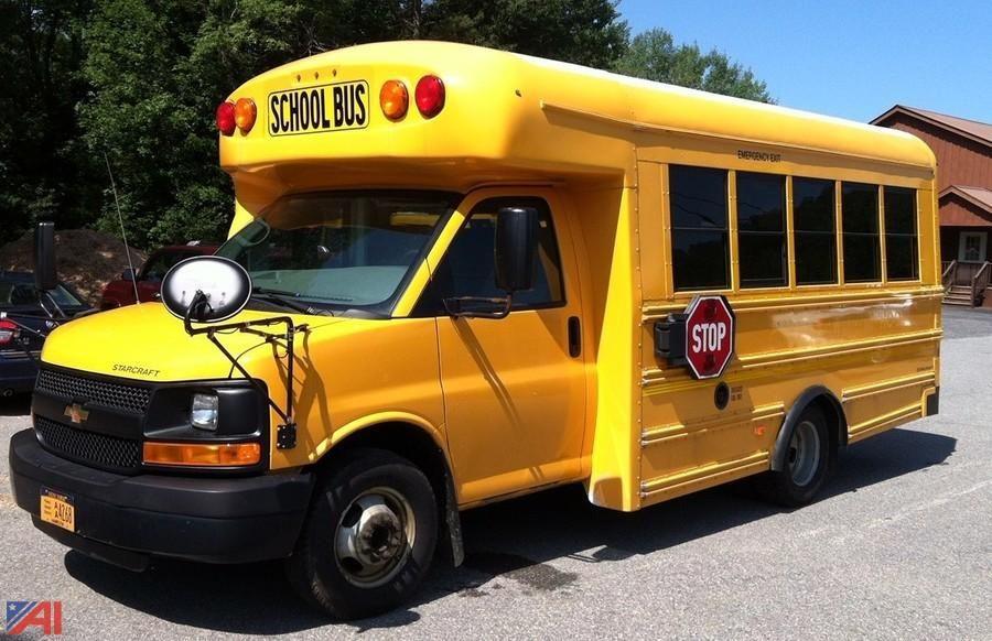 2013 Chevy Express G3500 Mini Schulbus