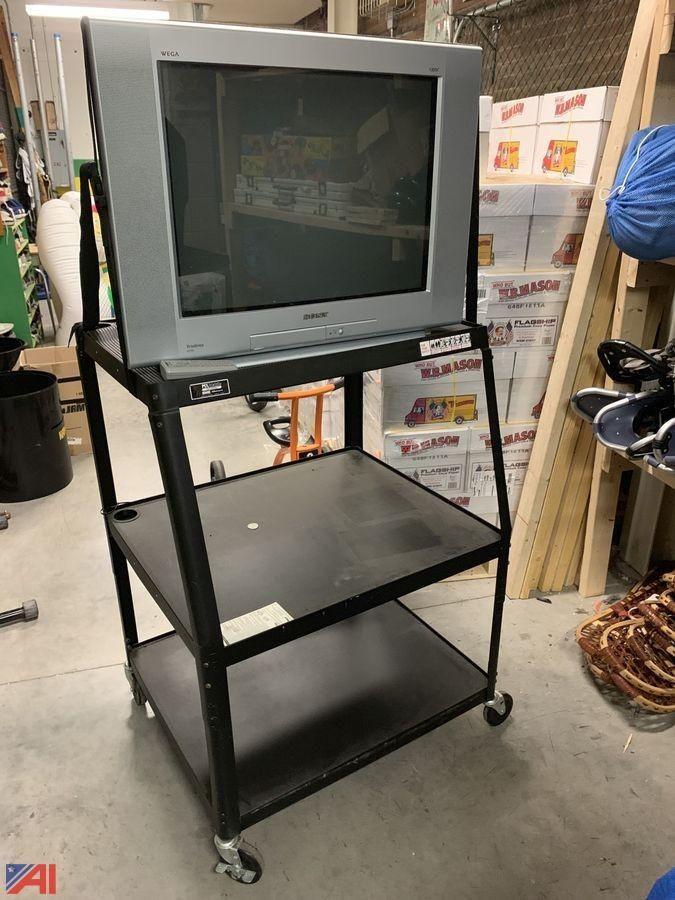 Fernseher und Rollständer