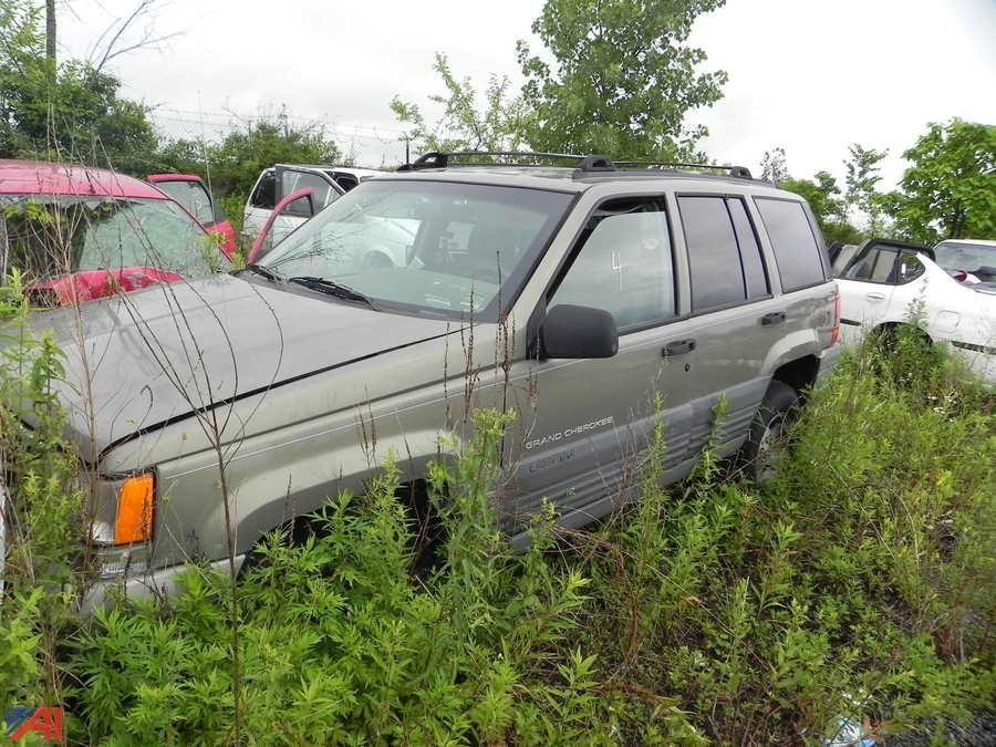 (# 4) 1997 Jeep Laredo Grand Cherokee SUV