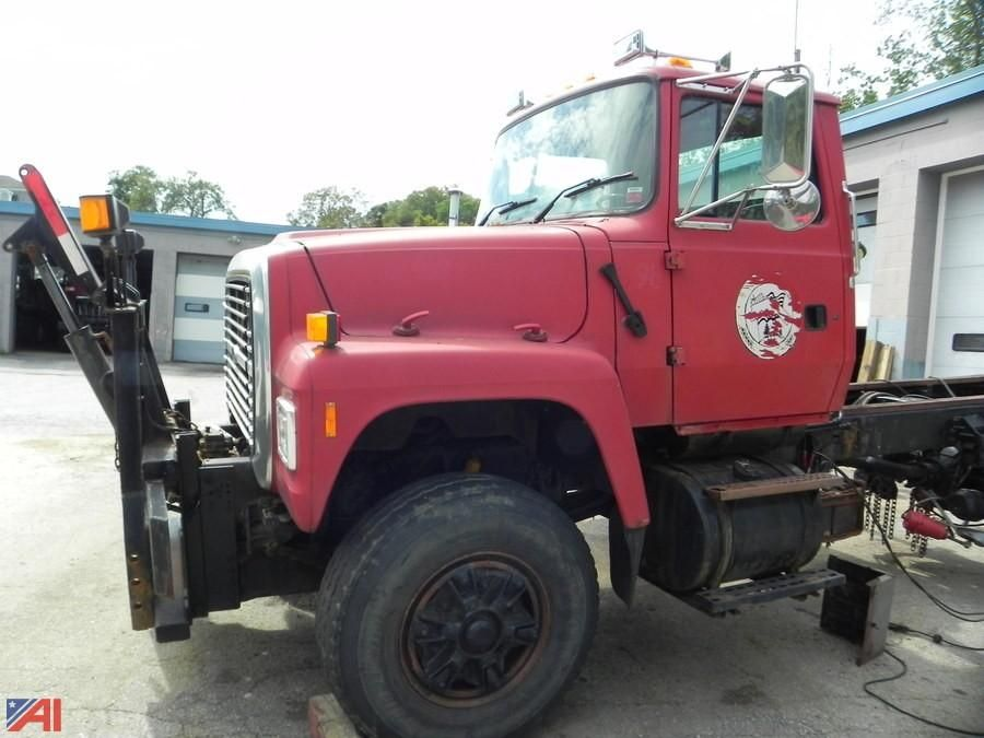 1997 Ford L8000F Cab & amp; Chassis