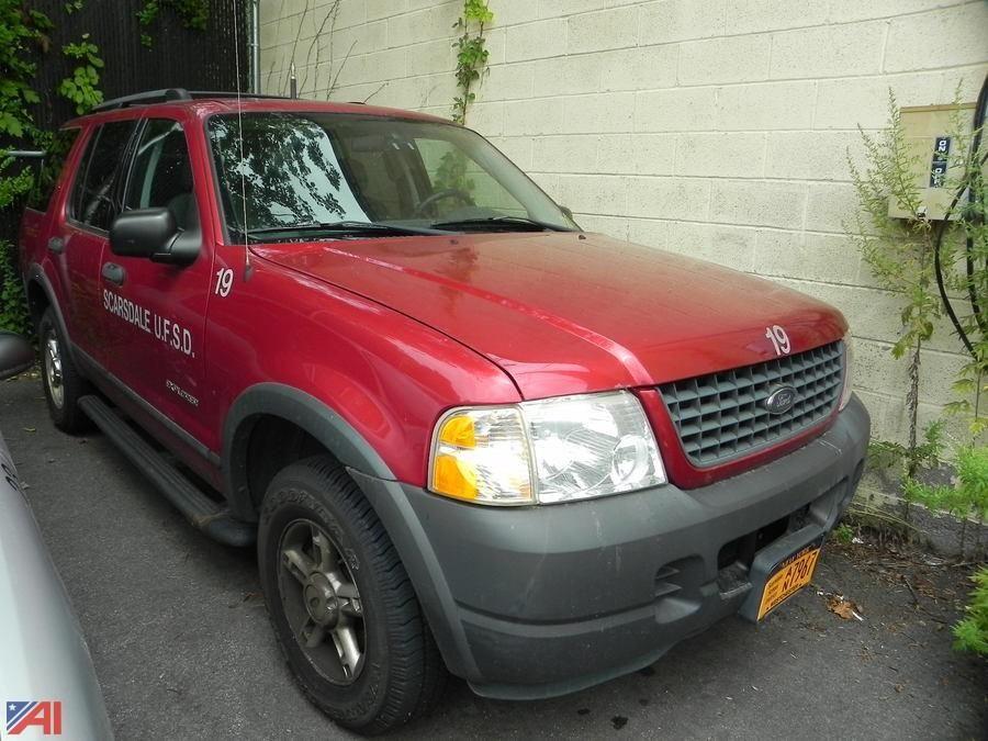 (# 19) 2004 Ford Explorer XLS SUV