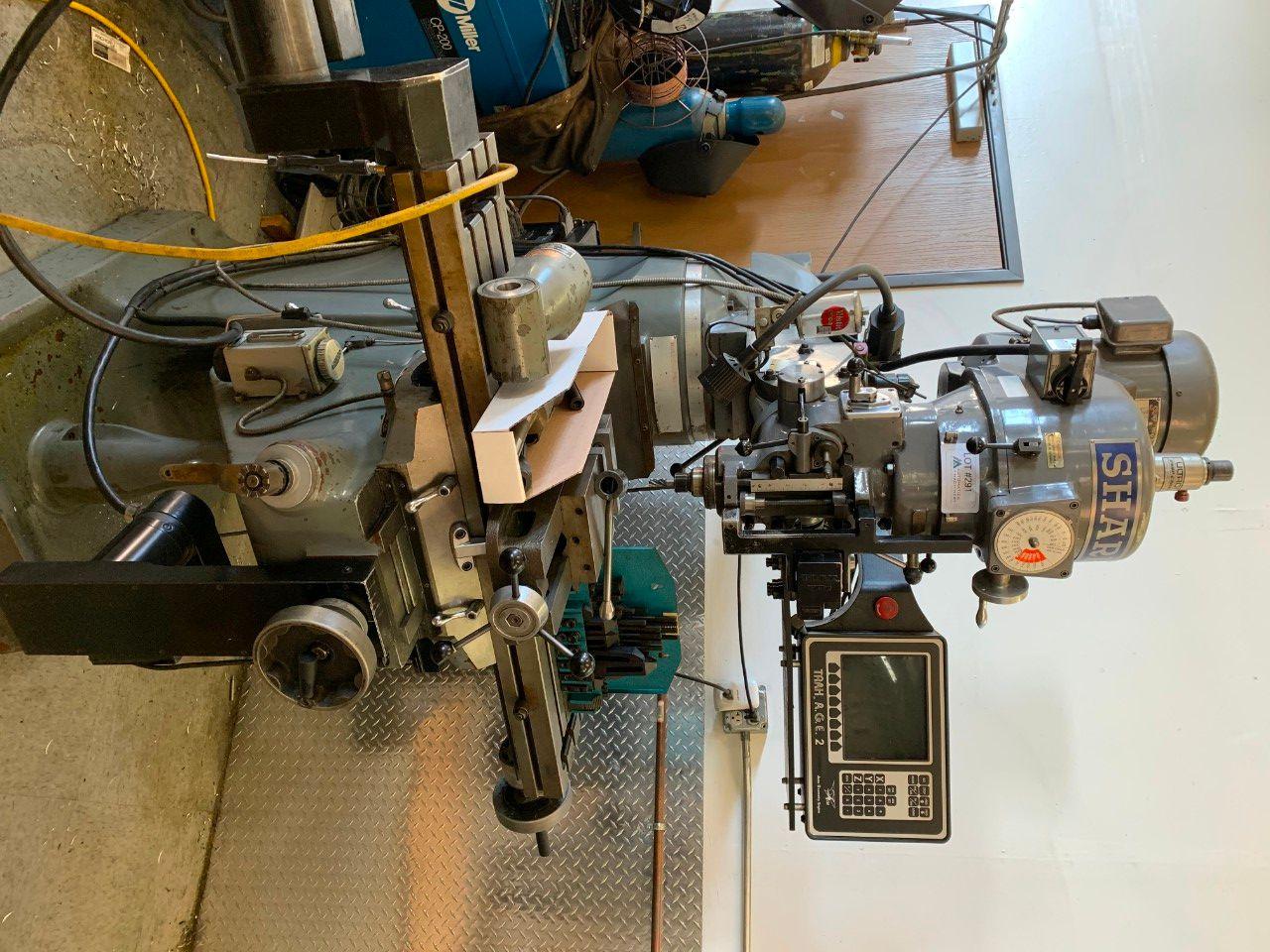 Sharpe LMV Vertikal-CNC-Konsolfräser mit rechtem Winkel. 10 Verschiedene Werkzeuge, Schraubstock, Sc