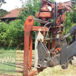 Kuhn for front loader operation Block cutter