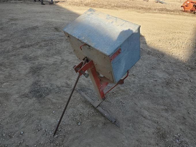 Cyclone Broadcast Seeder