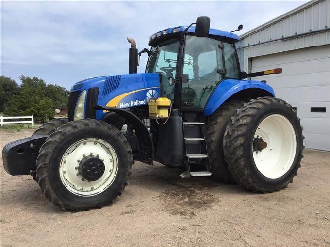 New Holland T8020 MFWD Traktor