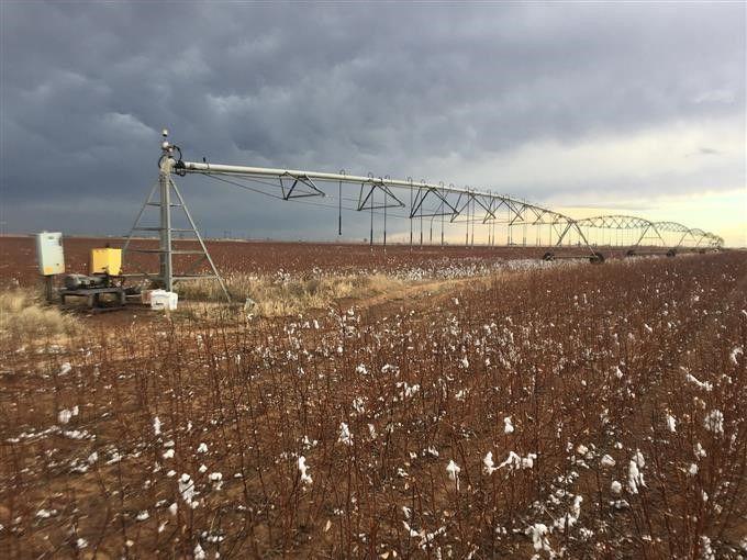 1996 T-L Irrigation Center Pivot